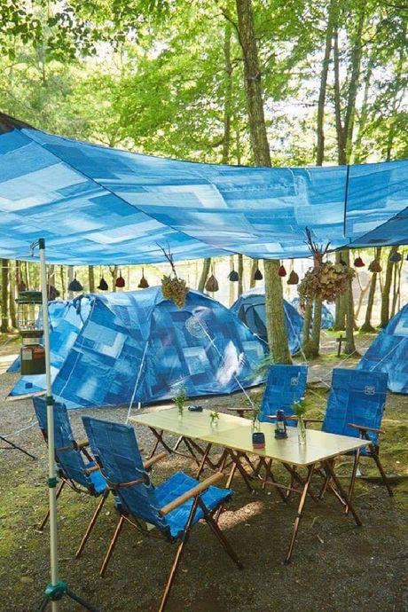 コールマンインディゴレーベルのキャンプギアを使ったキャンプの様子