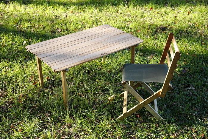 ペレグリン・ファニチャーの椅子とテーブル