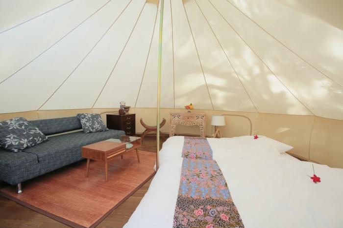 ナンマムイ ネイチャーリゾートのグランピングテントの内装