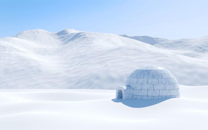 雪山に建てられたかまくら