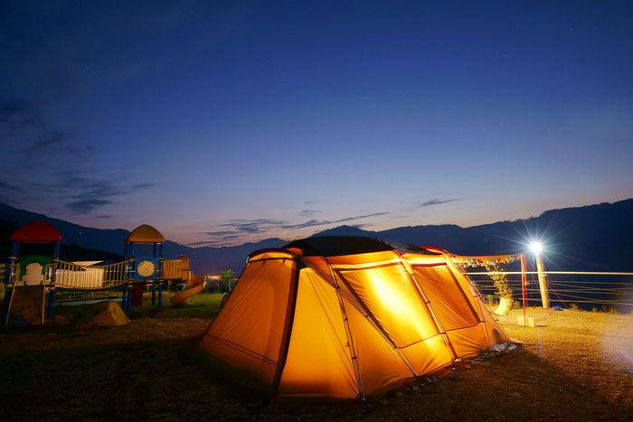 照らされたスノーピークのテント