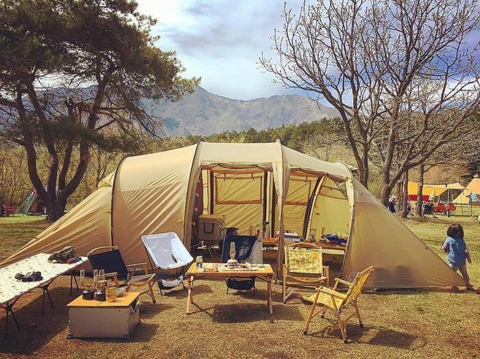 キャンプ場に設置せれたノルディスクのレイサ