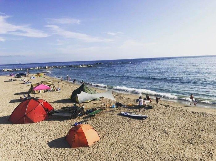海辺でのキャンプ