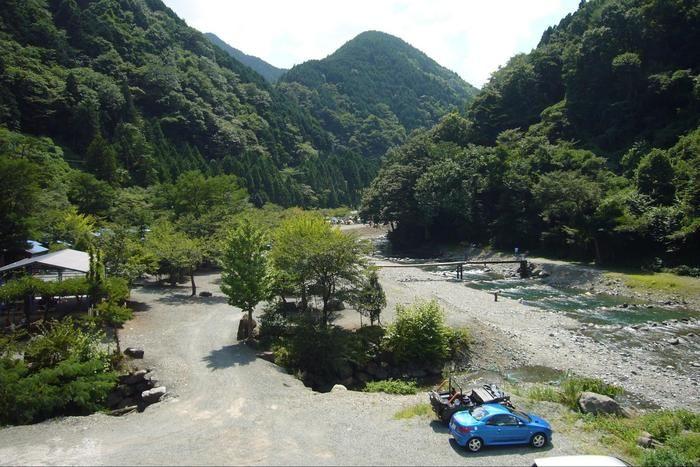 神之川キャンプ場のマス釣り場