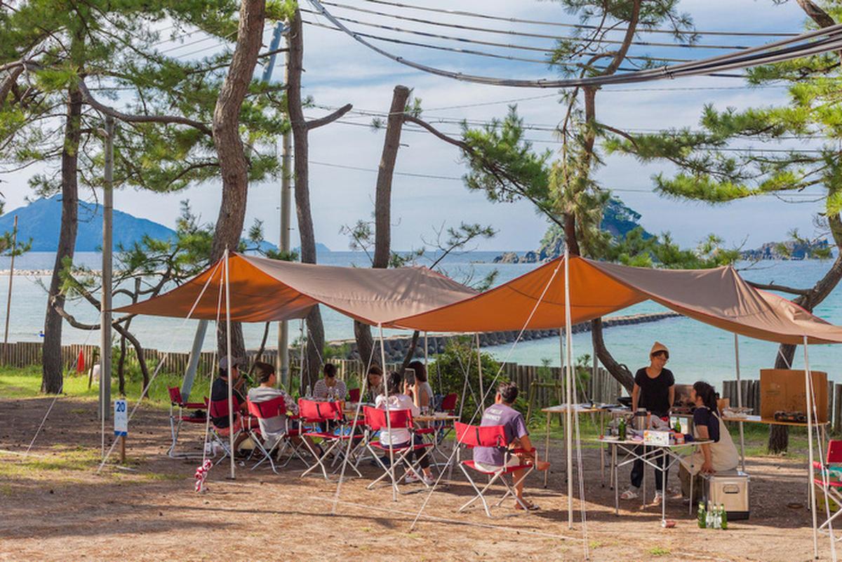 春夏はオーシャンビューでキャンプ!海がきれいな若狭和田キャンプ場にトリップ!【キャンペーン中】