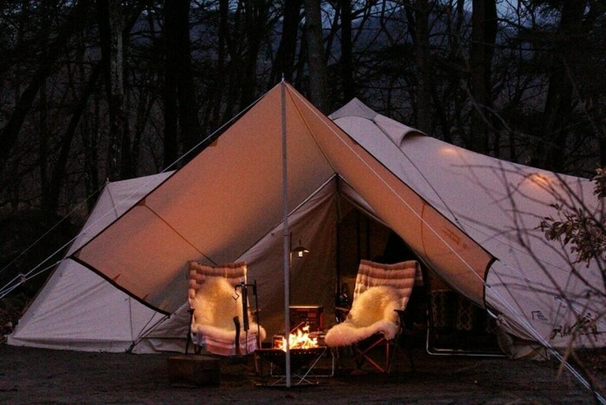 雨の中のテントサイト