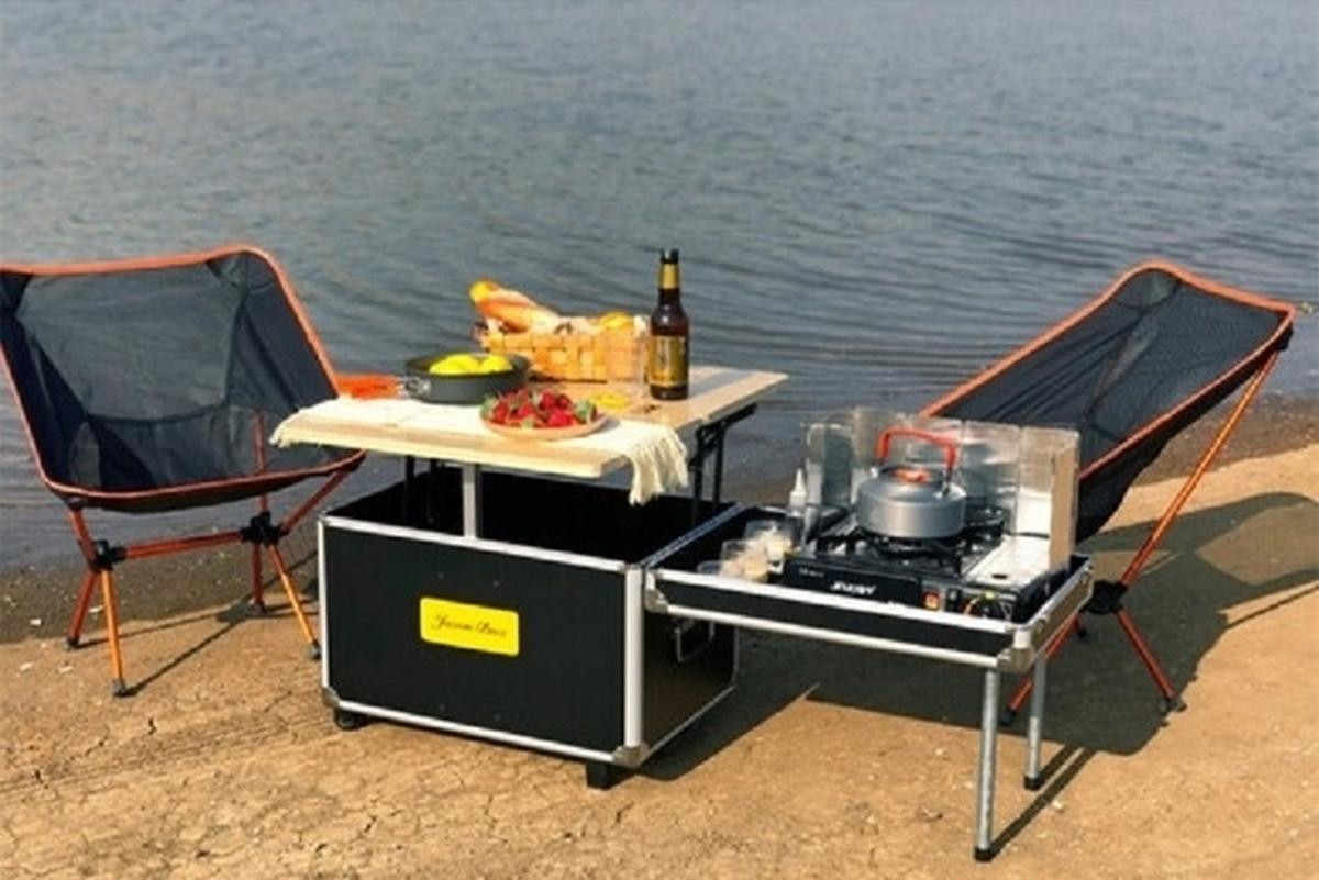 展開した収納ボックス&テーブル「JASON BOX」