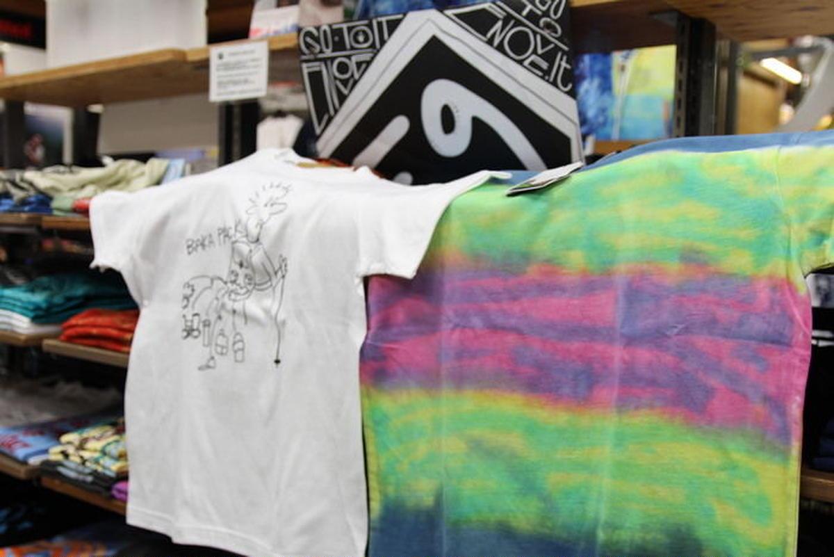 エルブレス新宿店のTシャツ売り場